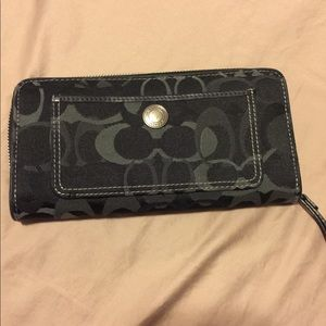 Coach Black Zipped Wallet